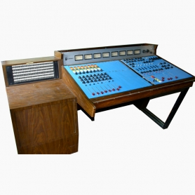 QEE | 1682 Console (Leon Russell)